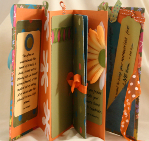 """""""Little Things"""" Accordion Book"""